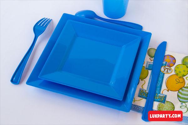 Set de cubiertos plasticos reforzados color celeste