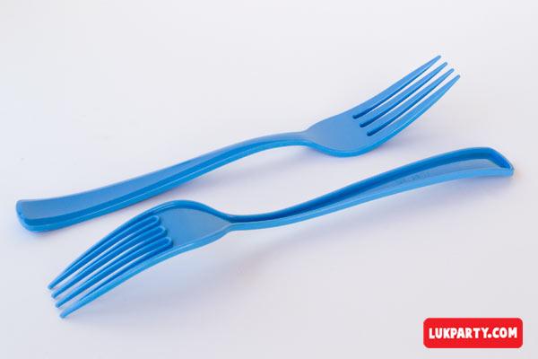 Tenedor descartable reforzado 19cm color celeste