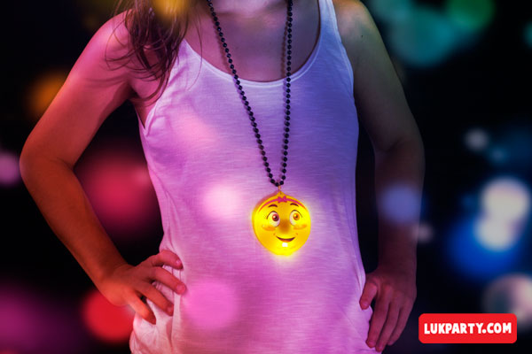 Collar emoji con luces led